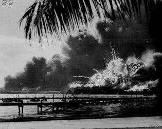 Pearl Harbour 7 Dec 1941 - USS Shaw Exploding