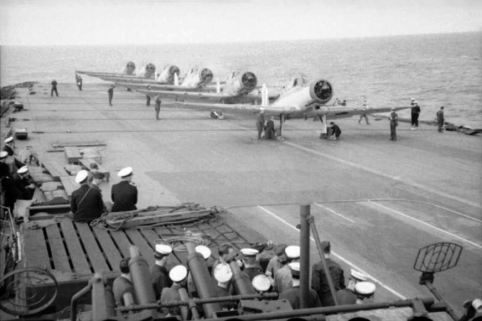 Blackburn Skuas, 800 Squadron Fleet Air Arm, HMS Ark Royal