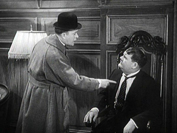 Laurel and Hardy - Oliver the Eighth