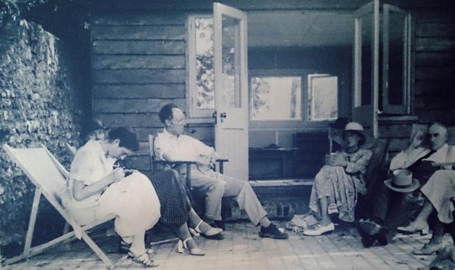 Virginia Woolf Outside Writing Room